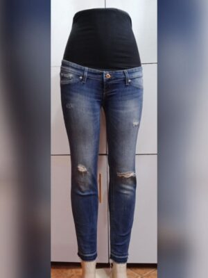 Rugged maternity jeans